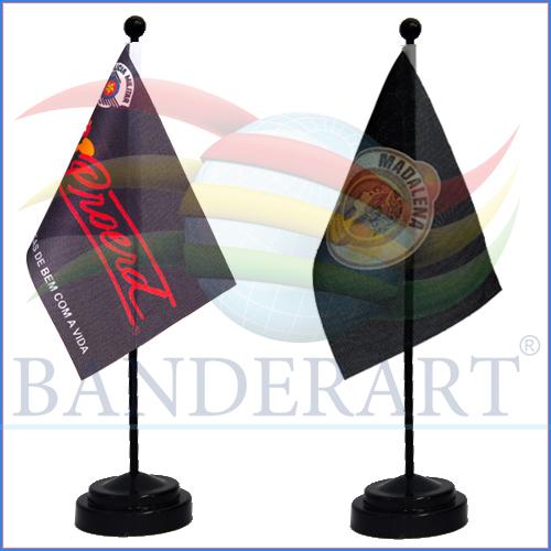 BANDEIRINHA-HASTE-E-BASE-PRETA-02